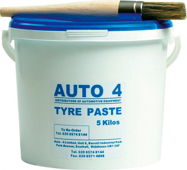 Massa para montar pneus + escova 5kg